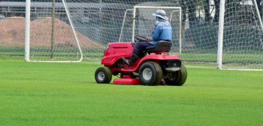 Kiedy warto kupić traktorek ogrodowy i jaki?